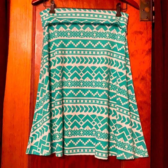 Beautiful LuLaRoe skirt. Never worn.